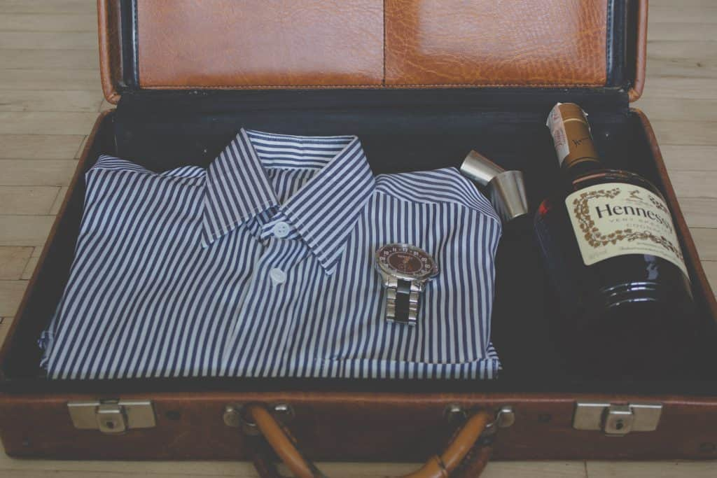 how to fold dress shirt for travel